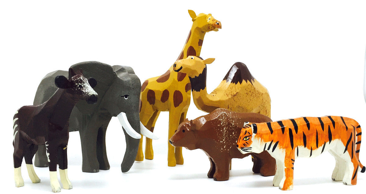 "Zoo Animals Set (6 pieces) - 1-3/4"" to 4-3/4"" / hand-carved / Size Large"