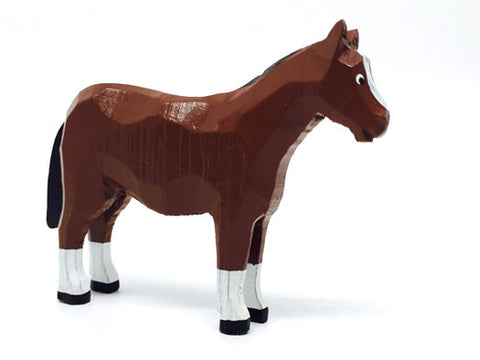 "Horse, hand-carved, 3"" / Size Large"