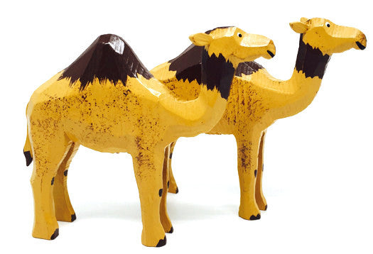 "Camels, Pair of hand-carved - 3-1/8"" / Size Large"