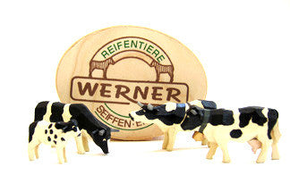 Set of Christian Werner Black and White Cattle with Wood Chip Gift Box (4 pieces)