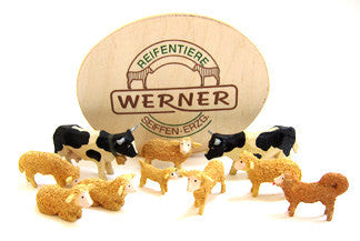 Set of Christian Werner cattle/sheep/sheep dog w/Wood Chip Gift Box (10 pieces)