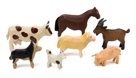 "Farm Animals Set 1 (7 pieces) - 3/4"" to 1-5/8""/ hand-carved / with Wood Chip Gift Box / Size Small"