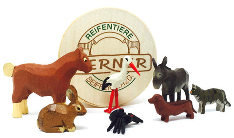 "Farm Animals Set 2 (7 pieces) - 1"" to 1-3/4""/ hand-carved / with Wood Chip Gift Box / Size Small"