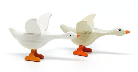 "Geese, Pair of hand-carved - 1-1/8"" / Size Small"