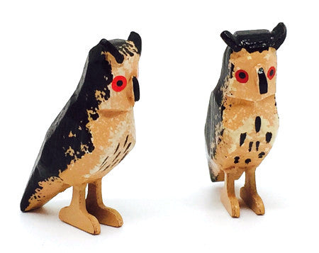 "Owls, Pair of hand-carved - 1-1/8"" / Size Small"