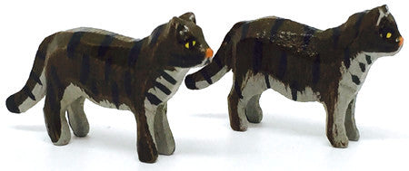 "Cats, Pair of hand-carved - 3/4"" / Size Small"