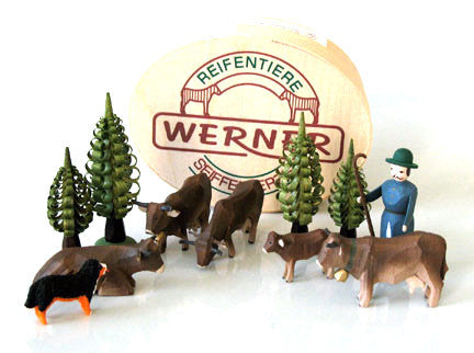 Set of Christian Werner brown cattle/shepherd/trees with Wood Chip Gift Box (11 pieces)