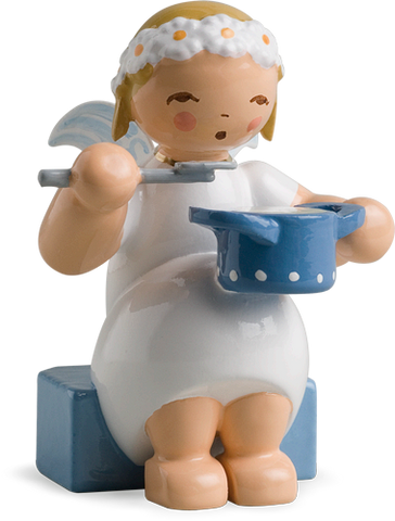 Marguerite Angel with Saucepan - New 2010