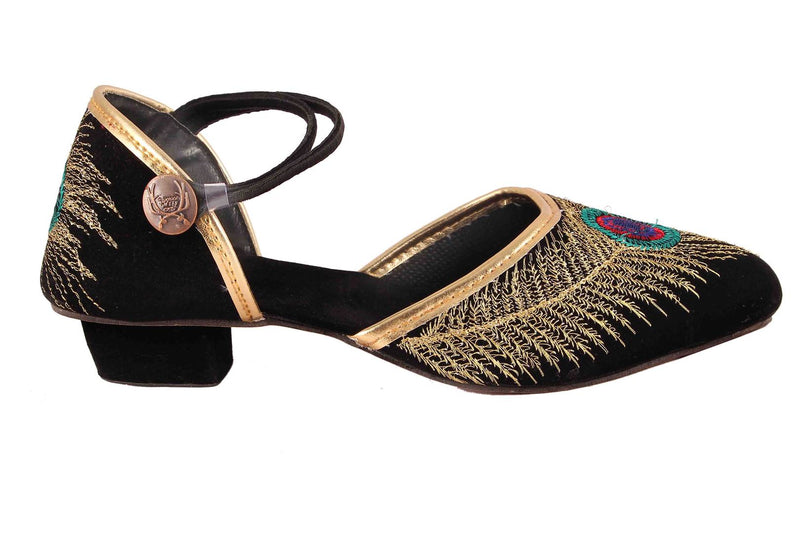 Women's Beautiful and Trendy Black Self Design Fabric Ethnic Sandal