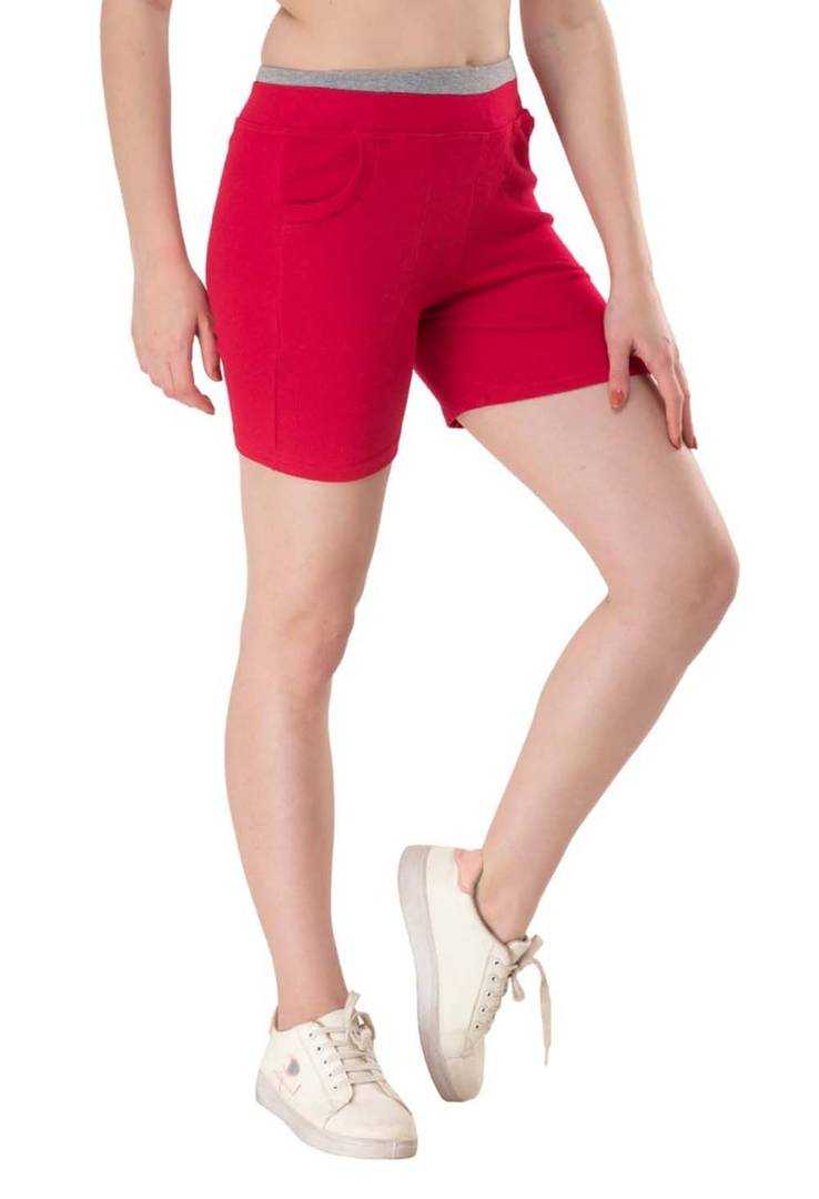 Trendy Cotton Lycra Solid Magenta Shorts For Women