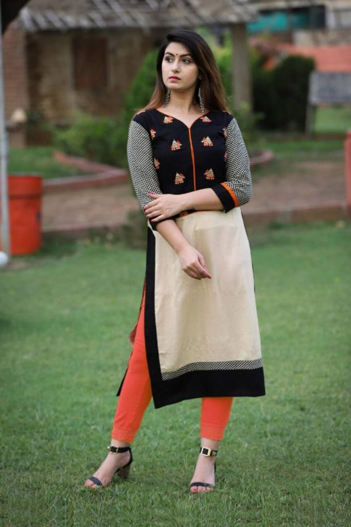 Women's Beautiful Self Pattern Rayon  Kurta