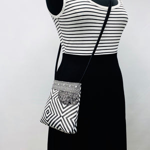 MIILK Bag/Mask Combo Geometric Black & White
