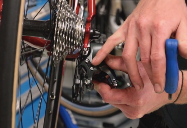 How to adjust a derailluer - Alpkit