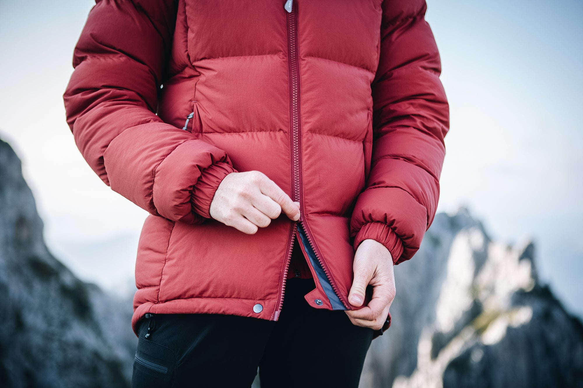A two-way zip on the Filo down jacket