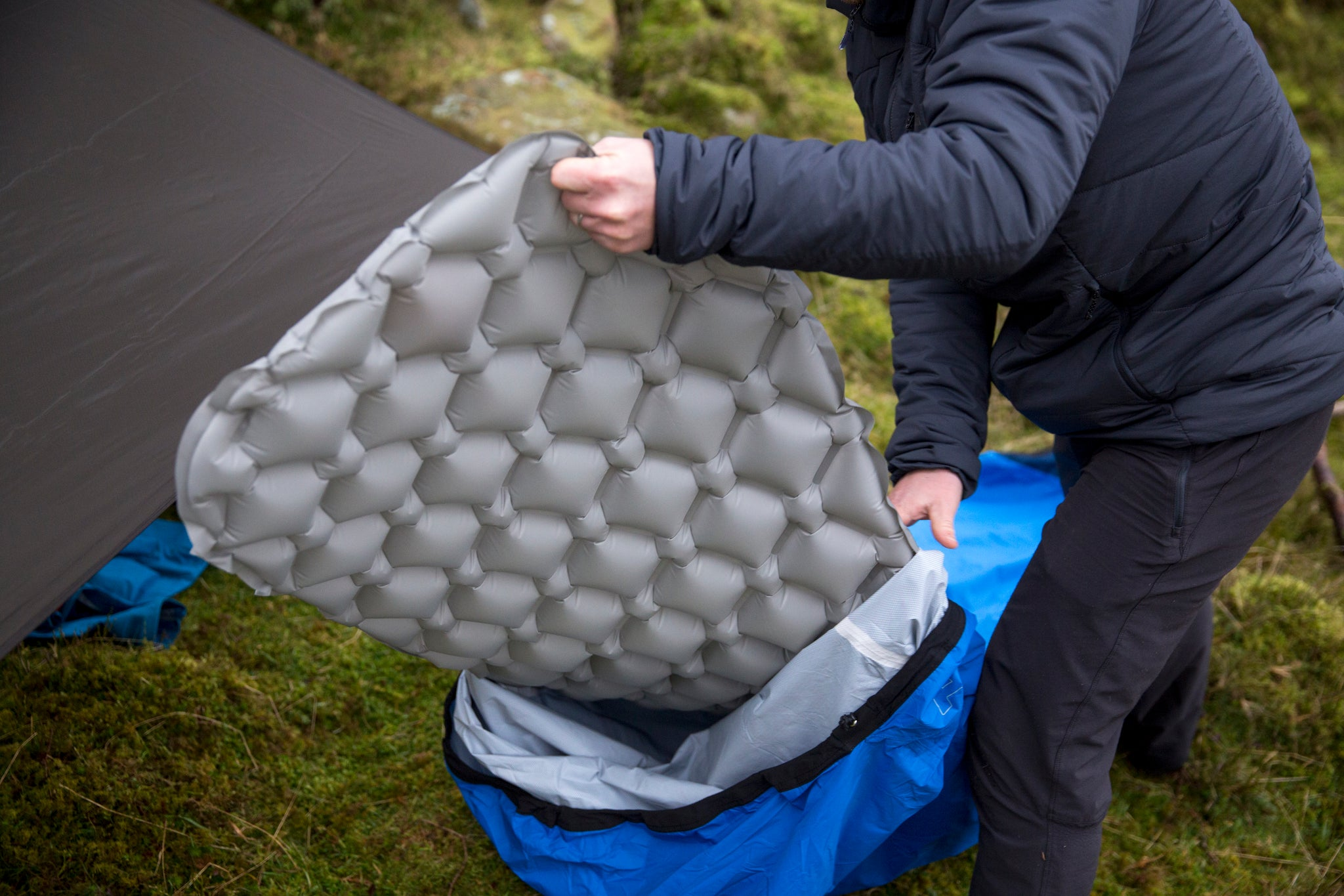 Putting a Cloud Base inflatable sleeping mat inside a bivvy bag in the Lake District