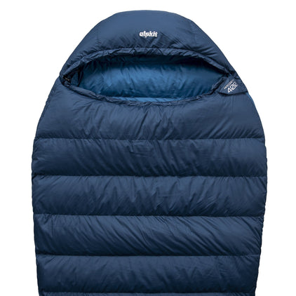 Pipedream 400 lightweight 3 season sleeping bag in blue