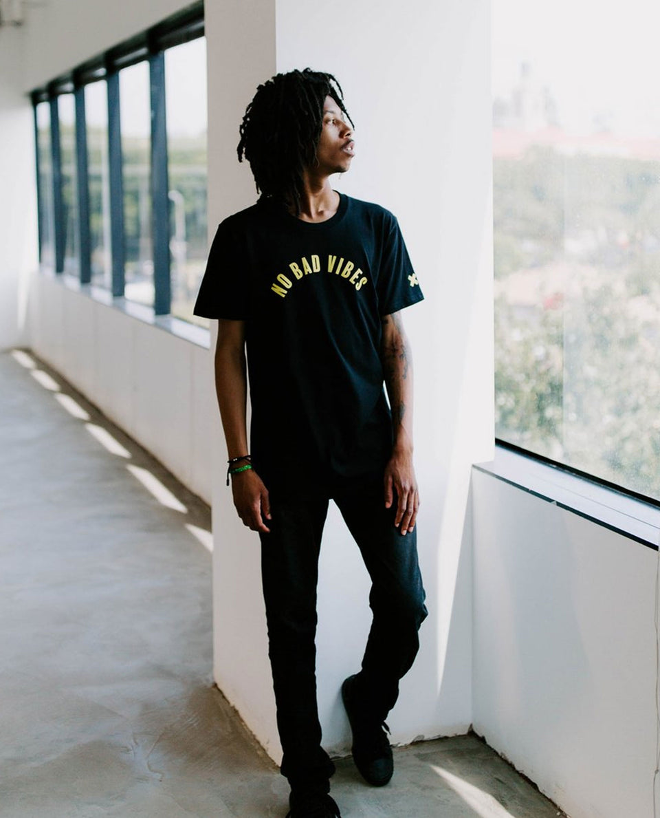 No bad vibes Tee Black