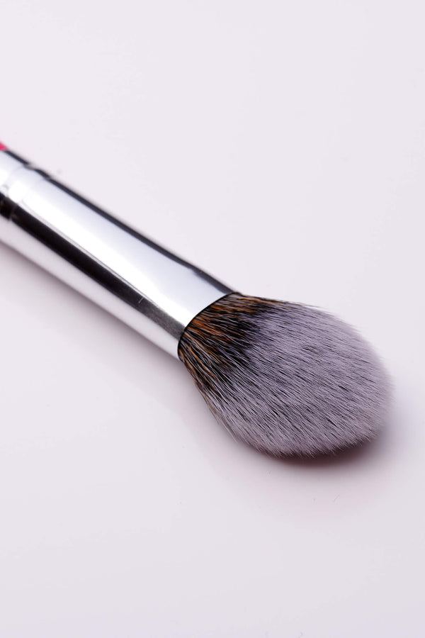 PC27 Petite Cheek Brush