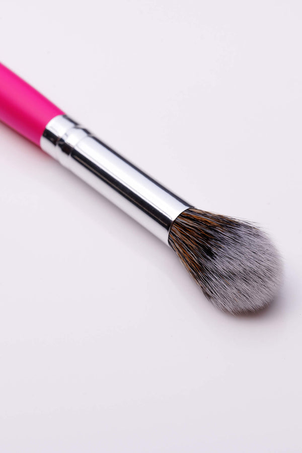 PC28 Tapered Highlighting Brush