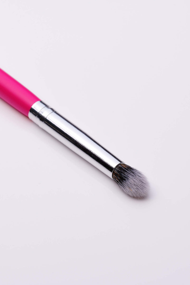 PC34 Domed Crease Brush