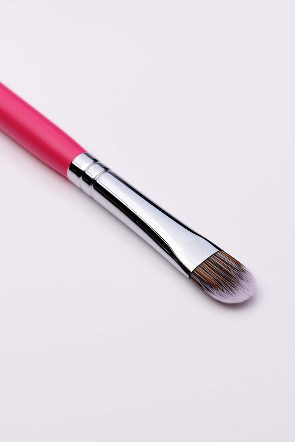 PC52 Curved Concealer Brush
