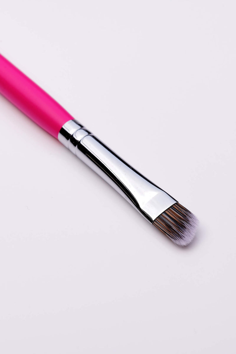 PC53 Curved Cut Crease Brush