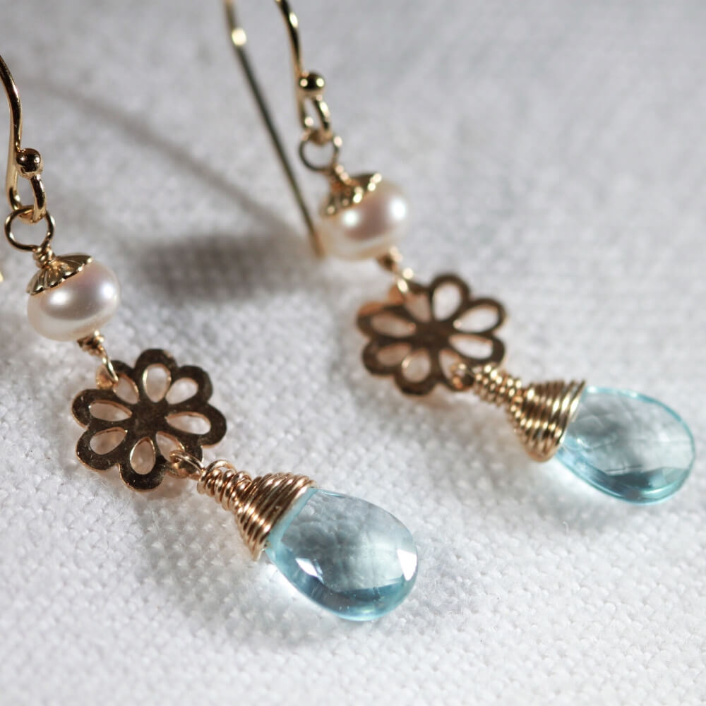 Blue Topaz pearl and hammered flower Earrings in 14 kt Gold Filled