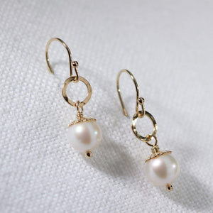 Freshwater Petit Pearl and hammered circle Earrings in 14 kt Gold Filled