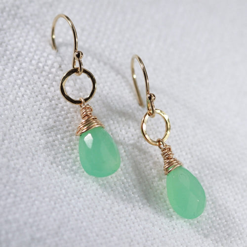 Chrysoprase gemstone and hammered circle Earrings in 14 kt Gold Filled