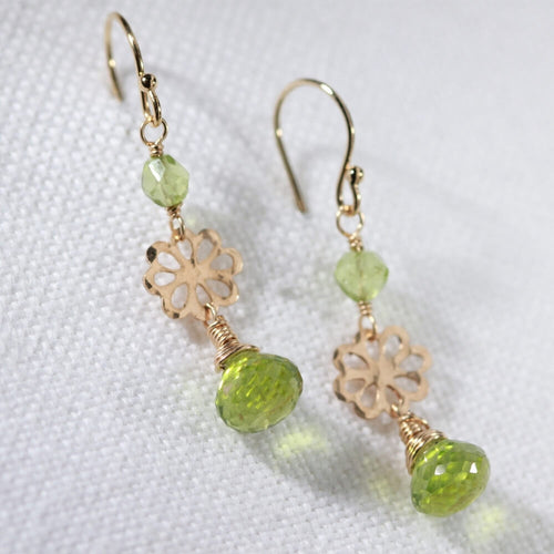 Peridot Briolette gemstone and hammered flower Earrings in 14 kt Gold Filled