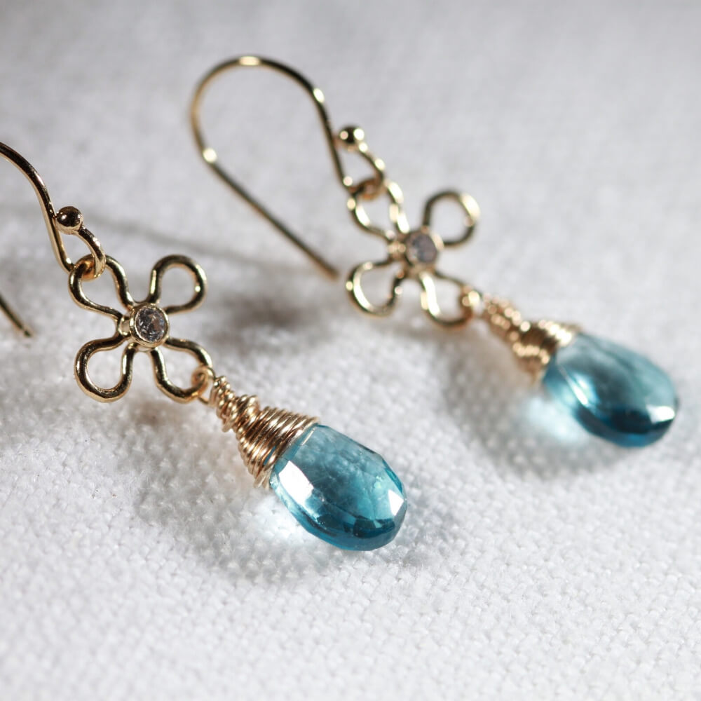 London Blue Topaz Dangle Earrings in 14 kt Gold Filled