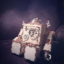 Load image into Gallery viewer, Robb-i: Robot with precision music box