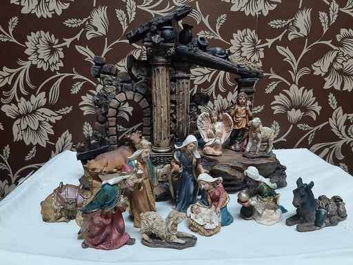 13 Piece Nativity Set