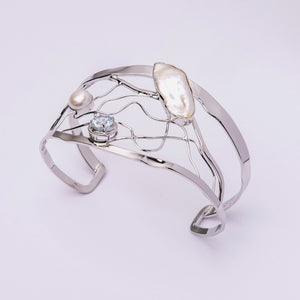 Biwa and Freshwater Pearl with Topaz Bangle