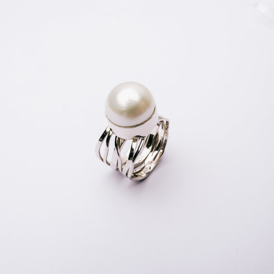Freshwater Pearl With Filigree Silver Band