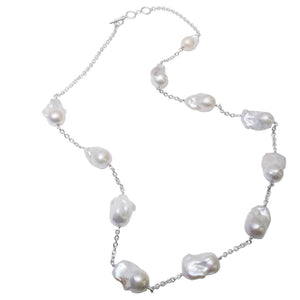 Large baroque pearl in silver chain