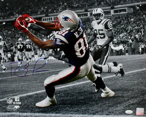 Randy Moss New England Patriots Signed 16x20 Photo Spotlight Catch vs Jets JSA