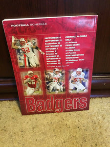 2004 WISCONSIN COLLEGE FOOTBALL MEDIA GUIDE  BOX9