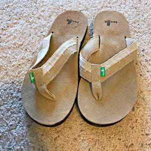 SANUK Flip Flops Dr FRAY - TAN - Men's - 9 - Thong Sandal Shoes - NEW