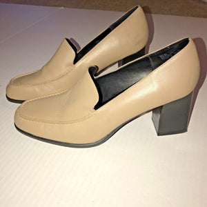 AEROSOLES Women BEIGE Tan Leather Upper Block Heels Slip Ons Sz 9.5 B