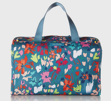 Load image into Gallery viewer, Vera Bradley Lighten Up Hanging Travel Organizer - Superbloom Sketch Blue $58