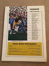 Load image into Gallery viewer, 1983 PURDUE BOILERMAKERS COLLEGE FOOTBALL BOOK MEDIA GUIDE B0X7
