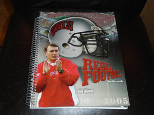 2005 UNLV COLLEGE FOOTBALL MEDIA GUIDE  NEAR MINT BOX 2