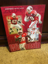 Load image into Gallery viewer, 2004 WISCONSIN COLLEGE FOOTBALL MEDIA GUIDE  BOX9