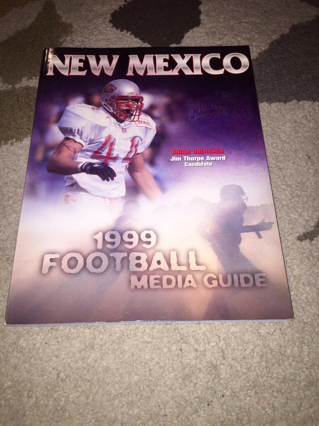 1999 NEW MEXICO COLLEGE FOOTBALL BEARS BRIAN URLACHER ON COVER! MEDIA GUIDE b4