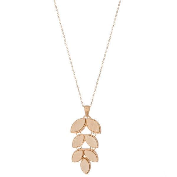 Wooded Leaf Pendant Necklace - Ivory