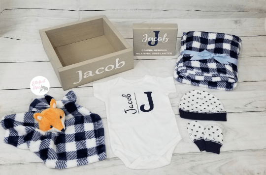 Personalized Baby Gift Set Box | Woodland Baby Shower Gift Set - Elliefont Styles