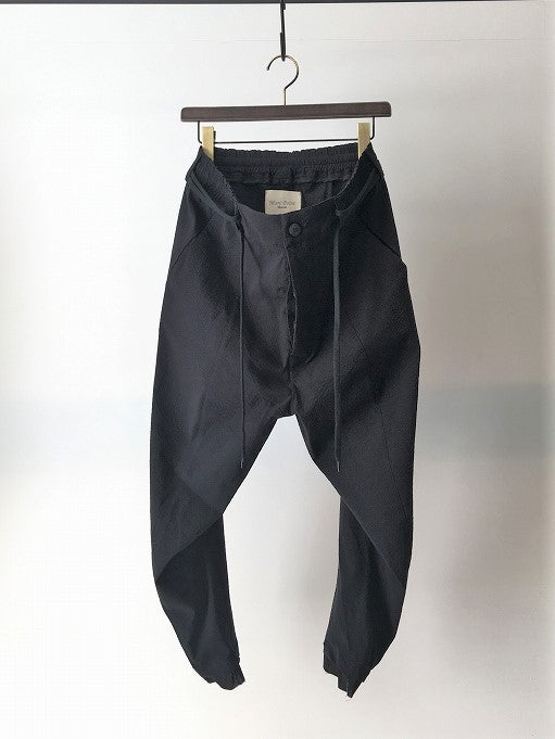 MARC POINT / SEERSUCKER SLIM TAPERED PANTS / BLACK