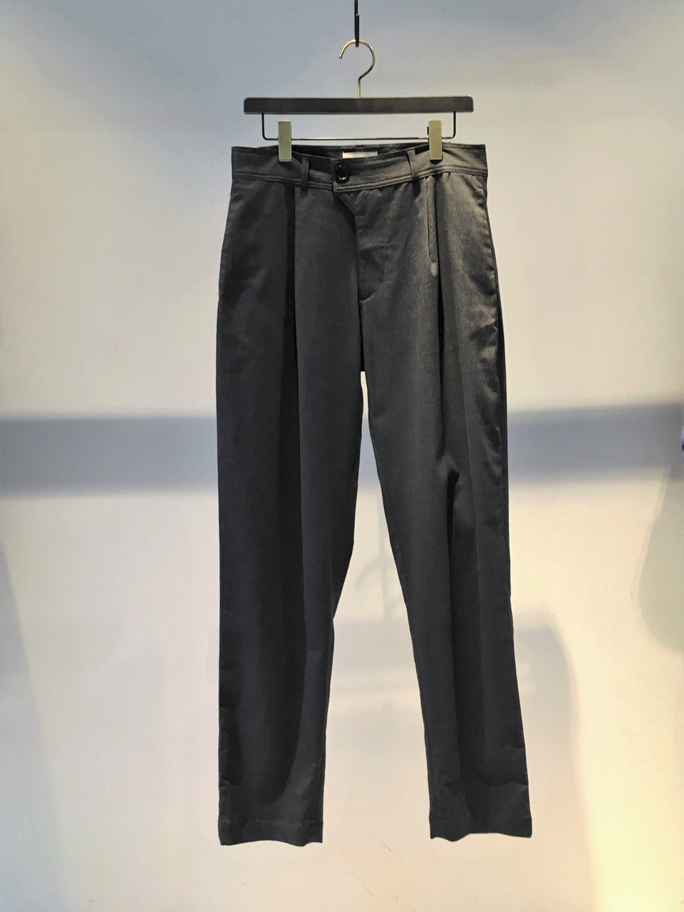 OLIVER SPENCER / PLEAT TROUSER / CHARCOAL