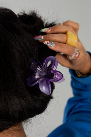 PURPLE HAWAIIAN FLORAL CLIP